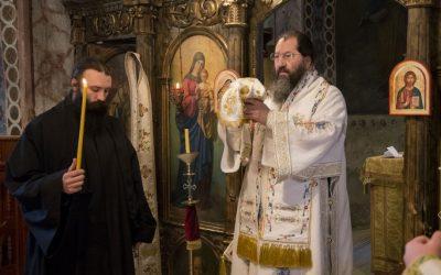 Епископ жички Јустин у посети манастиру Буково
