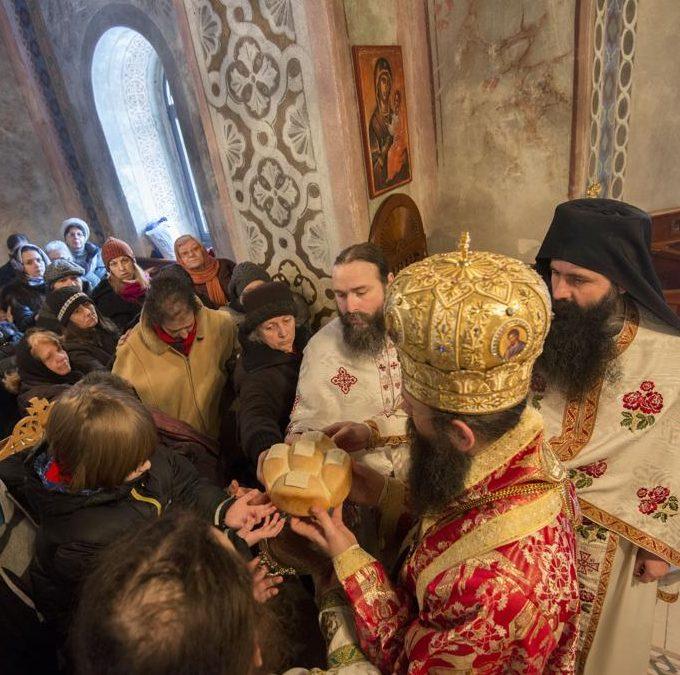 Литургијско сабрање на  празник Часних верига св. апостола Павла